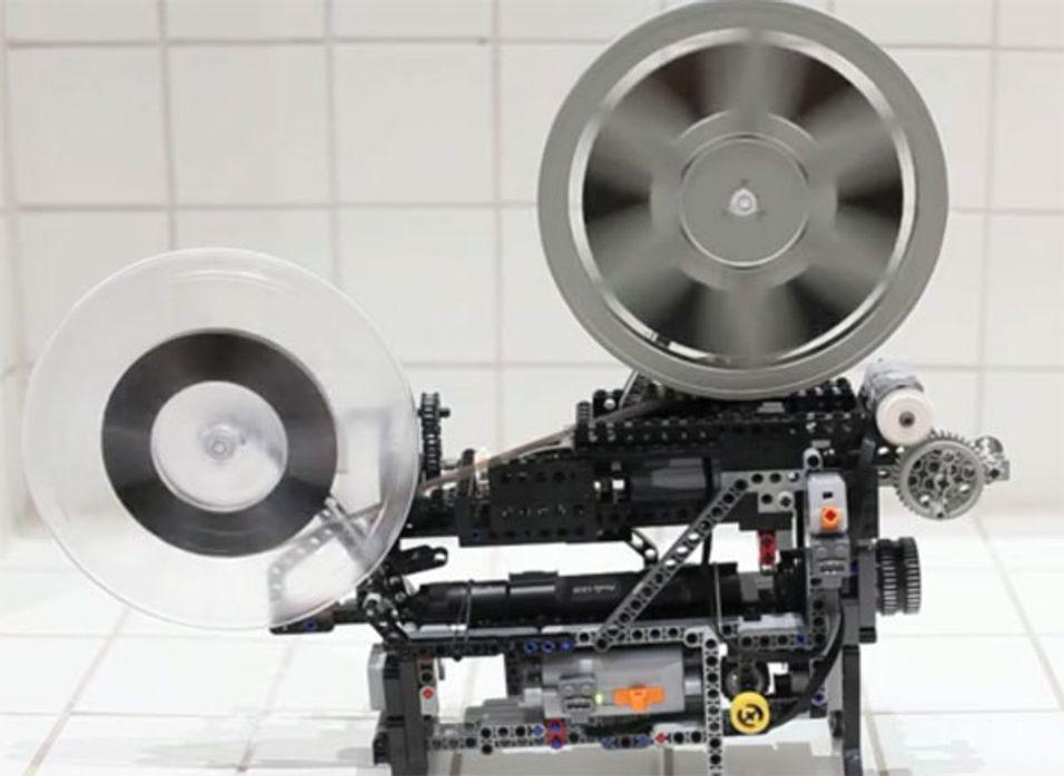Super 8 filmprojektor laget av Lego