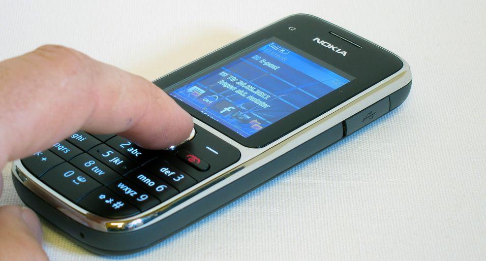 Nokia C2-01 får deg til å tenke på den gang iPhone var en fjern utopi.