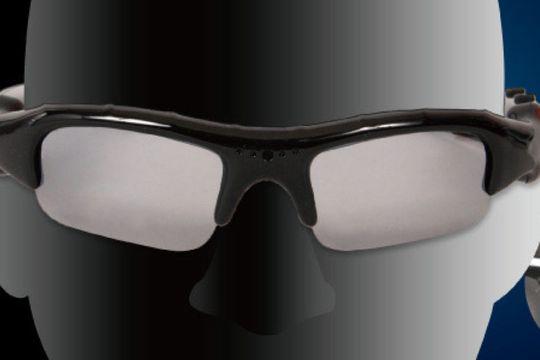 Disse brillene beskytter ikke bare mot solen. Du får også mulighet til å filme i HD.