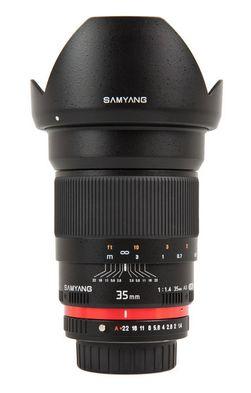 Samyang 35mm F1.4 er uten autofokusmotor og automatiske blendervalg.
