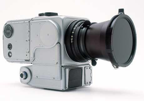 Et av de modifiserte kameraene som ble igjen på månen, Hasselblad 500EL.