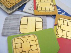 Du kan stikke til nærmeste forhandler og kjøpe et SIM-kort for å ringe i konkurrerende mobilnett.