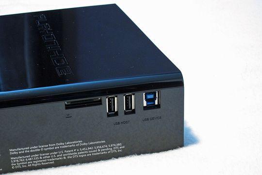 USB og minnekortleser på siden av HD2.