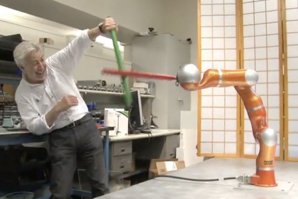 Slåss med lyssabel mot Jedi-robot