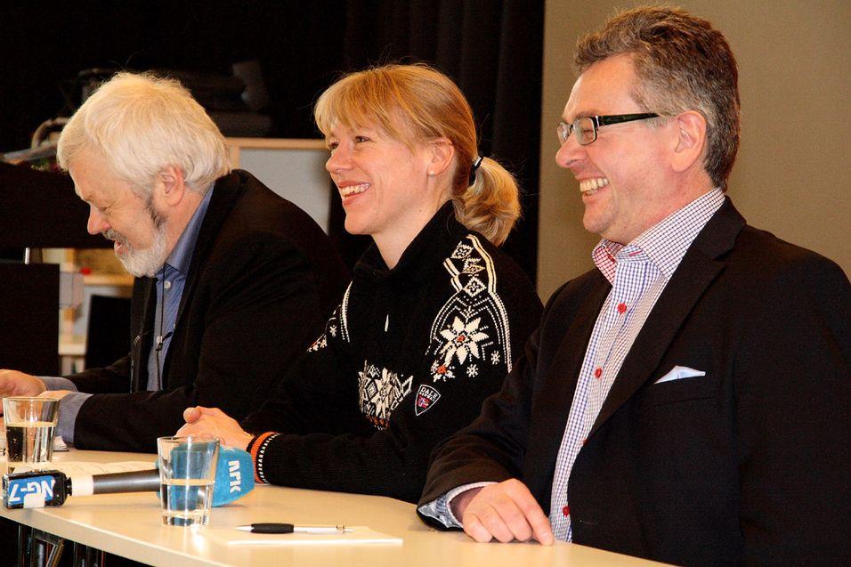 Styreleder i Språkrådet Ottar Grepstad, kulturminister Anniken Huitfeldt og direktør i Språkrådet Arnfinn Muruvik. Foto: Språkrådet