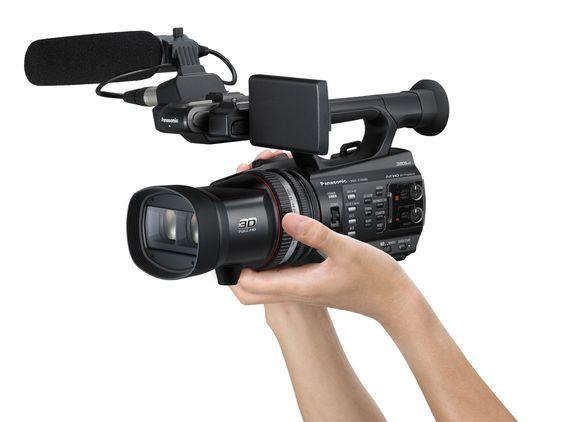 Panasonic HDC Z10000 har to integrerte objektiver som gjør at man kan filme i 3D.