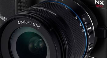 Test: Samsung NX200