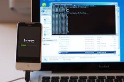Her blir HTC Legend rootet fra Windows. (Foto: Svein Rune Djuve)