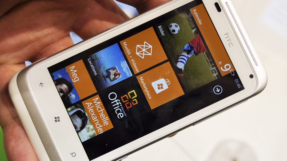 SNIKTITT: Nå blir Windows Phone norsk