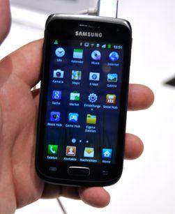 Galaxy W kjører Samsungs egne Touch Wiz-menyer oppå Android 2.3.5.