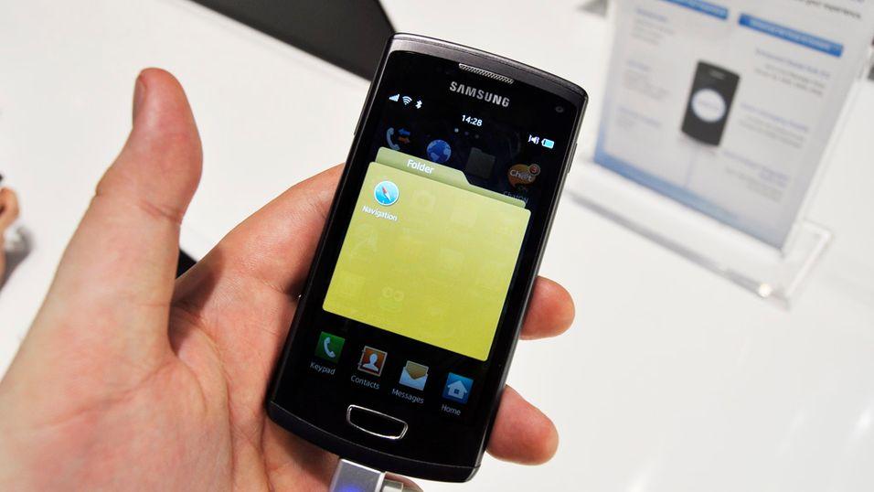 Nå kan du legge appene dine i mapper – også på en Bada-telefon.