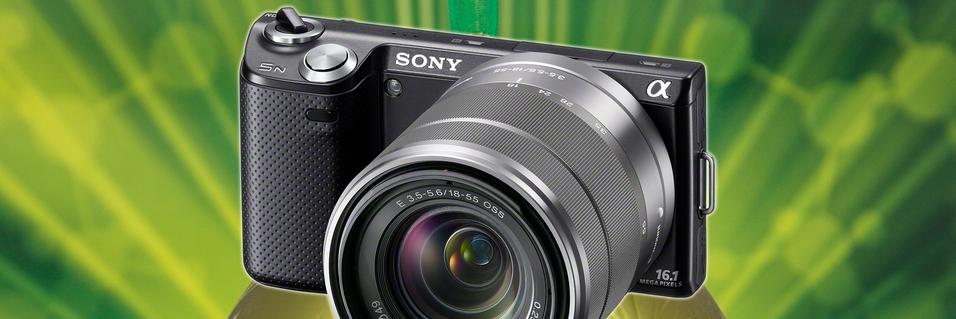 KONKURRANSE: VINN: Sony NEX-5n med objektiv