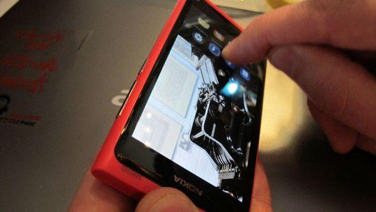 Nokia N9 er den første telefonen med Meego, og den blir sannsynligvis den siste.
