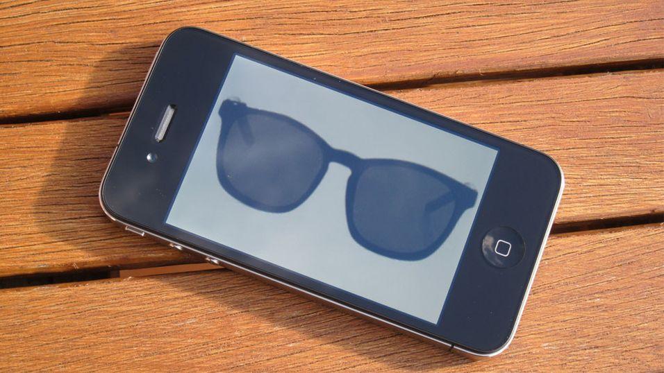 TEST: Hvilkenmobiltelefon er best i sola?