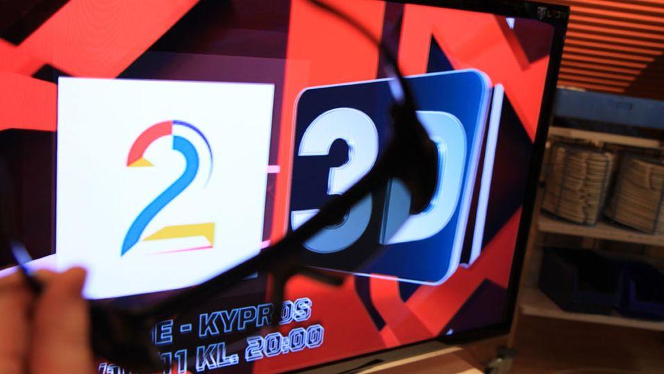 TV 2 sendte for første gang en norskprodusert fotballkamp i 3D tirsdag kveld. Men det var bare de med parabol eller kabel fra Canal Digital som fikk muligheten til å se det. Foto: Magnus Blaker ( Mediehuset Nettavisen )