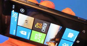 Nokia Lumia 800 Slik er mobilen som skal redde Nokia