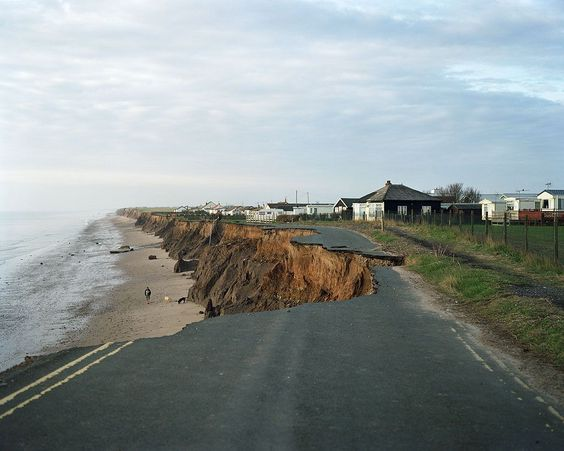 The Holderness coast located in East Riding of Yorkshire suffers the highest rate of coastal erosion in Europe. It stretches 61km with several villages under constant threat. The annual rate of erosion is about 2 metres every year. Many villages have been lost to the sea dating back to Roman times. Foto: Neil A White ( BULLS/EPOTY.ORG )