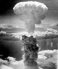 «FAT MAN»: Dette bildet er tatt av mannskapet om bord B-29 Superfortress-flyet som slapp atombomben over Nagasaki 9. august 1945.