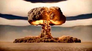 VERDENS STØRSTE BOMBE: Ildkulen som oppsto da «Store Ivan» detonerte ble åtte kilometer bred og utga så intens varme at man ville ha pådratt seg tredjegradsforbrenning i en radius av 100 km. (Foto: Youtube.com)