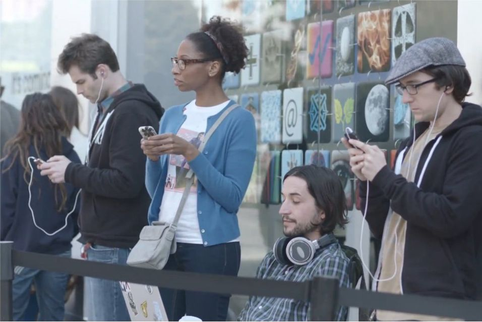Se Samsung gjøre narr av Apple