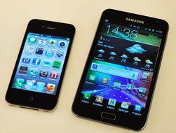 iPhone er for noen på grensen til hvor stor en mobil kan være. Note er ekstremt mye større.