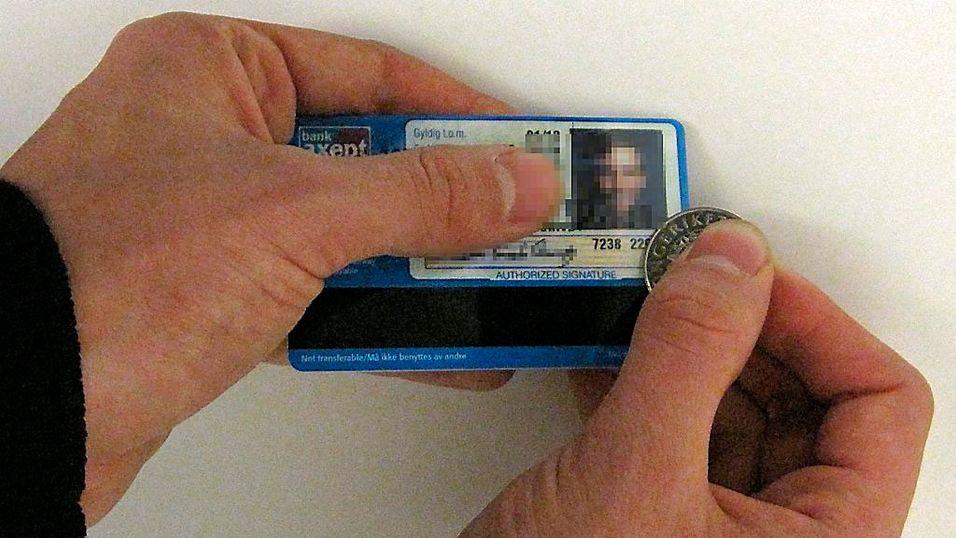- Du vil aldri som kortholder noensinne bli kontaktet av Visa, sier Visa selv. (Foto: Nettavisen)