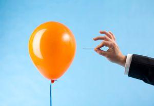 Å ta bilder av ballonger som sprekker er nærmest umulig uten en stor porsjon flaks, eller et godt hjelpemiddel.