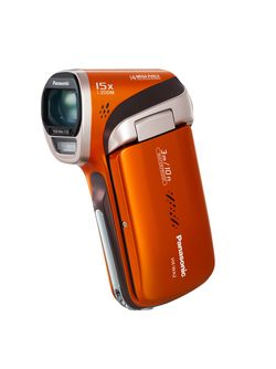 Panasonic HX-WA2 kommer i fargene blå og orange.