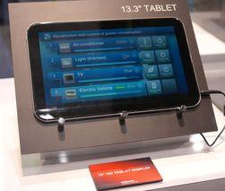 I tillegg til verdens tynneste nettbrett, Excite X10/AT200, viste Toshiba også frem en prototyp på et 13,3-tommers Android-nettbrett. (Foto: Finn Jarle Kvalheim)
