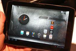 Motorola viste frem sitt nye Xoom 2-nettbrett, som vil bli solgt i to størrelser; 8,2 og 10,1 tommer. Nettbrettet har tokjerneprosessor og kommer foreløpig kun med Android 3.2. (Foto: Finn Jarle Kvalheim)