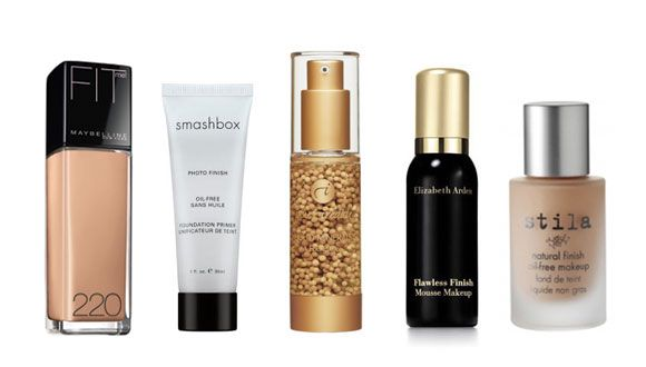 NATURLIG RESULTAT: Disse produktene skal gi deg en lett og glødende finish. (F.v.:) Maybelline Fit Me Foundation (159 kr), Smashbox Photo Finish Foundation Primer (385 kr), Jane Iredale Liquid Minerals A Foundation (ca. 360 kr hos feelunique.com), Elizabeth Arden Flawless Finish Mousse Makeup (ca. 160 kr hos feelunique.com), Stila Natural Finish Oil-free Makeup (ca. 220 kr hos lookfantastic.com).